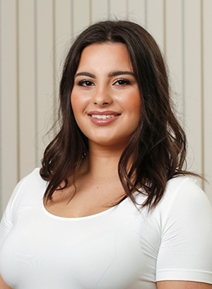 Lia Terizis (Receptionist)