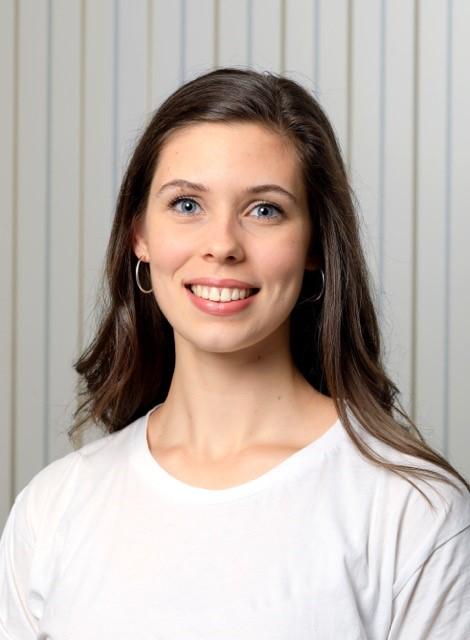 Hannah Elmes (Receptionist)
